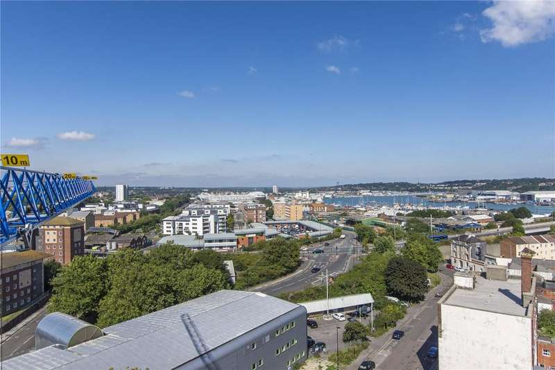 2 Bedrooms Penthouse Flat for sale in Royal Crescent Apartments, 1 Royal Crescent Road, Southampton, Hampshire, SO14