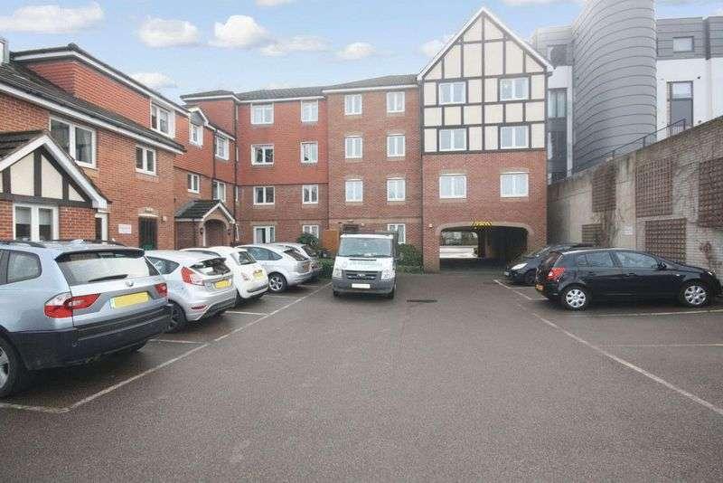 1 Bedroom Property for sale in Hudsons Court, Potters Bar, EN6 1DH