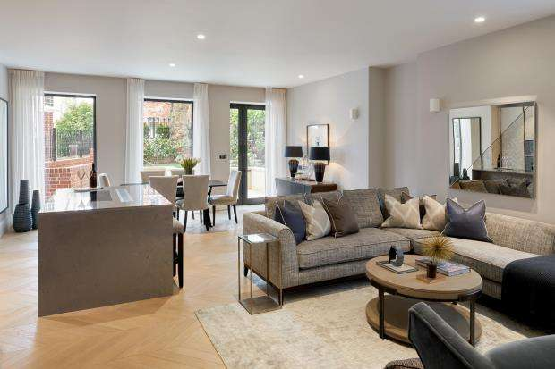 3 Bedrooms Flat for sale in Netherhall Gardens, London, NW3