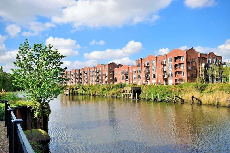 2 Bedrooms Flat for sale in Grayling Mews, Warrington