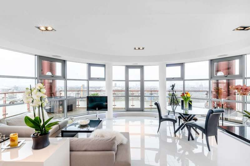2 Bedrooms Flat for sale in Hutchings Street, Docklands, E14