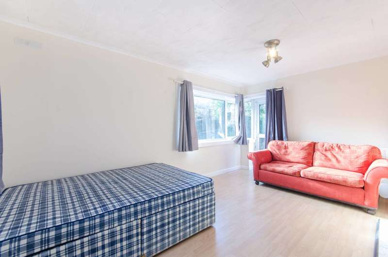 4 Bedrooms Flat for sale in Gap Road, Wimbledon, SW19