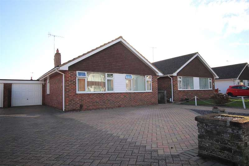 3 Bedrooms Bungalow for sale in Cumberland Avenue, Worthing, BN12