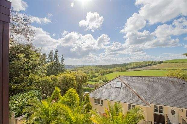 2 Bedrooms Apartment Flat for sale in South Road, Wolborough Hill, Newton Abbot, Devon. TQ12 1FP