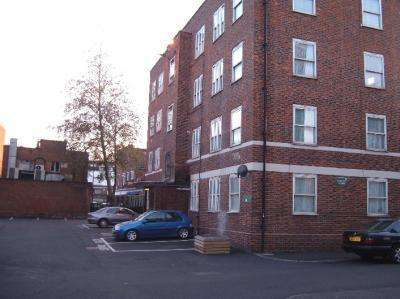 3 Bedrooms Apartment Flat for sale in KARSLAKE HOUSE, Bethnal Green, E2 7EL