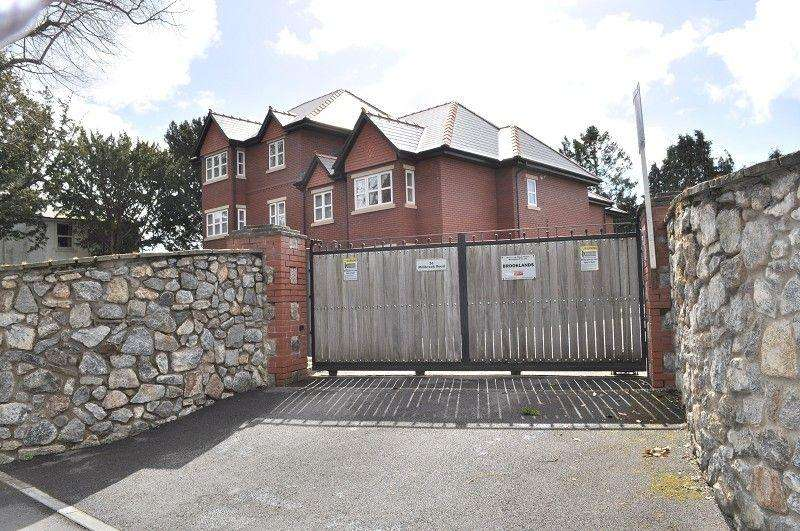2 Bedrooms Flat for sale in Apartment 7, Brooklands, Millbrook Road, Dinas Powys, The Vale Of Glamorgan. CF64 4BF