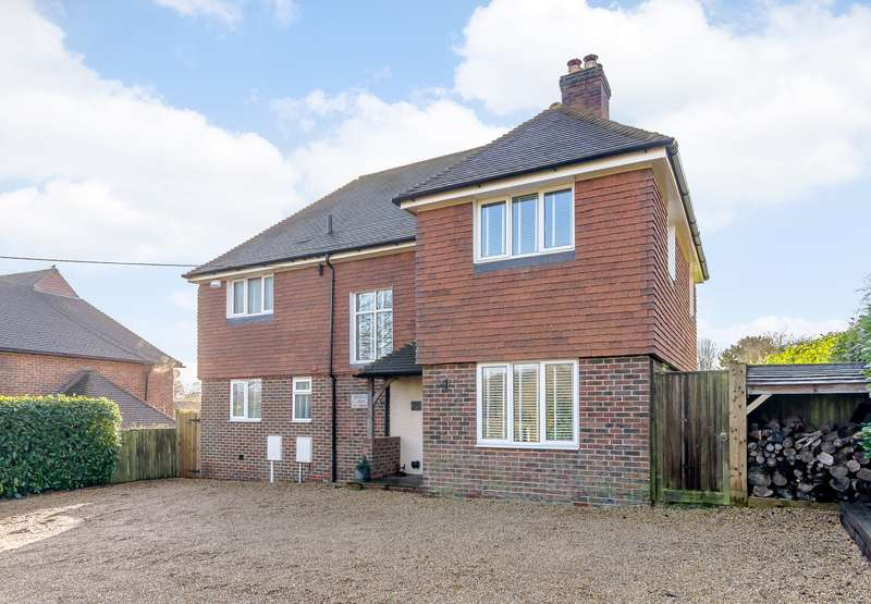 4 Bedrooms Detached House for sale in Ewhurst