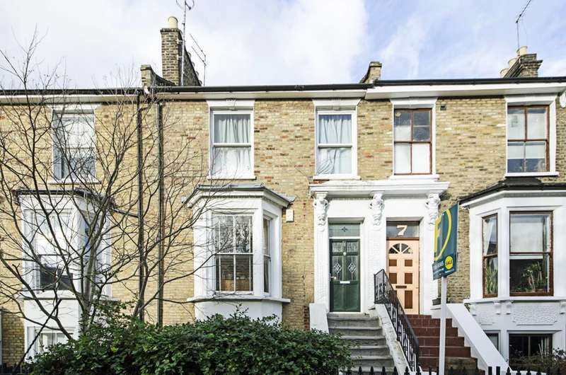 4 Bedrooms Terraced House for sale in Montague Road, Dalston, E8