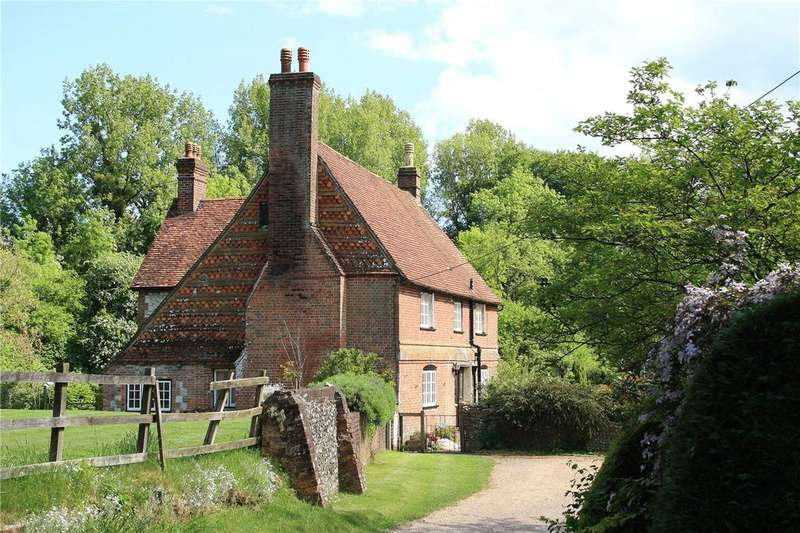4 Bedrooms Detached House for sale in Ashford Lane, Steep, Hampshire, GU32