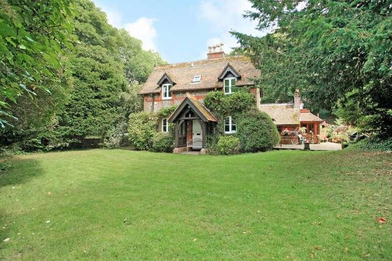3 Bedrooms Detached House for sale in Deane, Basingstoke, RG25