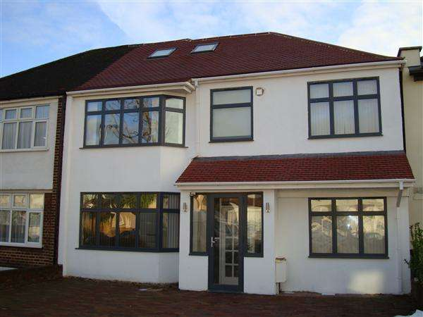 5 Bedrooms Semi Detached House for sale in Shaftesbury Avenue / Norwood Green