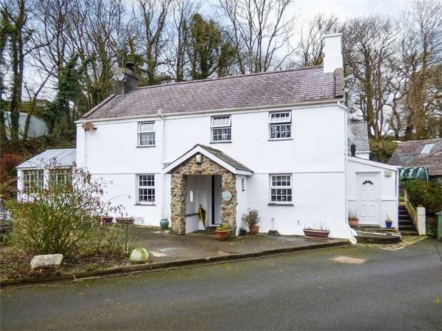 5 Bedrooms Detached House for sale in Sarn, Pwllheli, Gwynedd