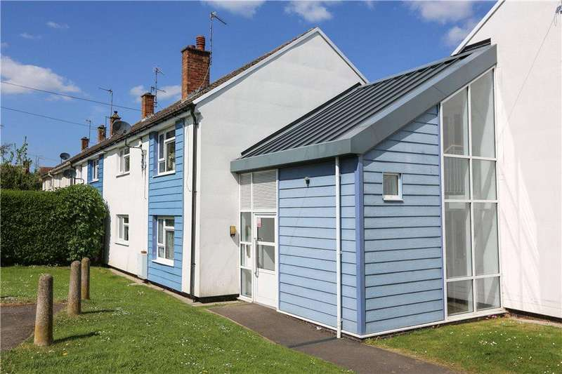2 Bedrooms Apartment Flat for sale in Foxwalks Avenue, Bromsgrove, B61