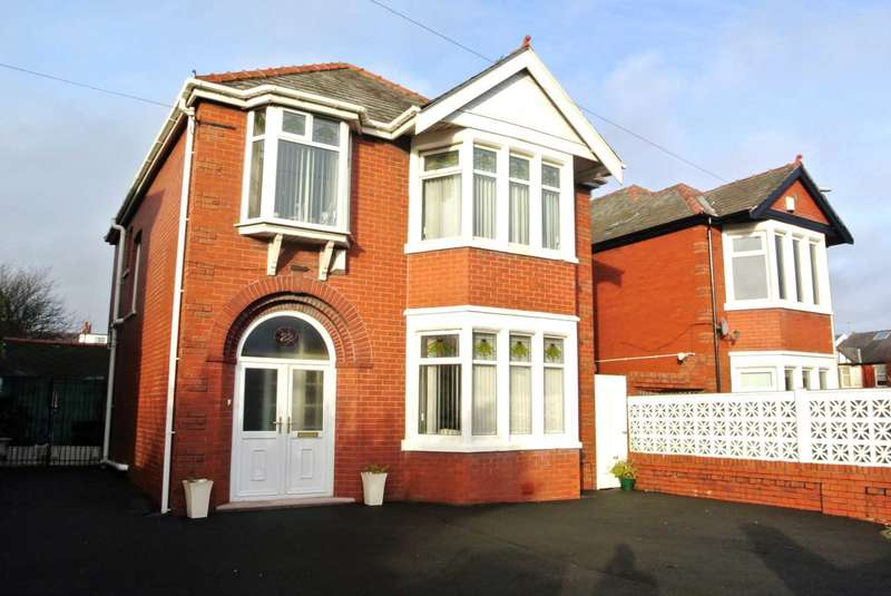 3 Bedrooms Detached House for sale in Preston New Road, Blackpool, FY3 9LU