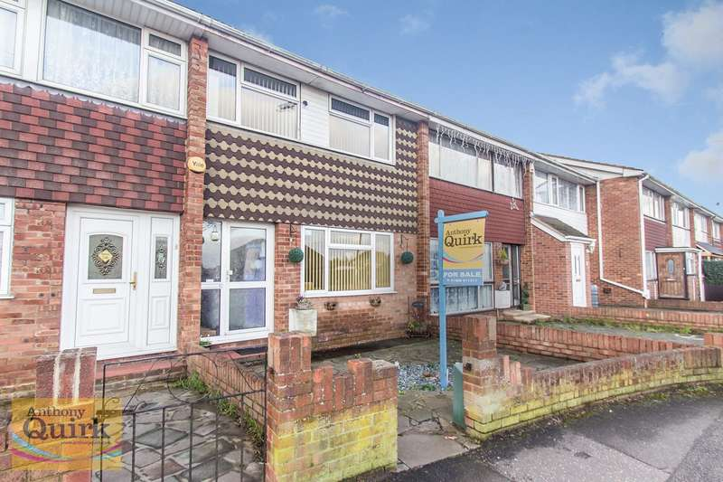3 Bedrooms Terraced House for sale in Point Road, Canvey Island, SS8