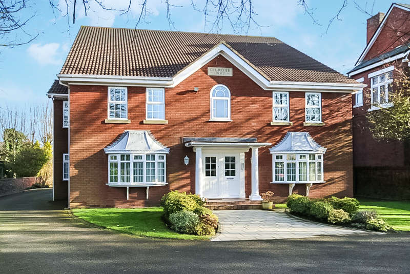 2 Bedrooms Flat for sale in Park Avenue, Hesketh Park, Southport