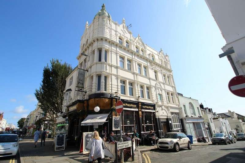 2 Bedrooms Apartment Flat for sale in Western Road, Hove, BN3 1AE