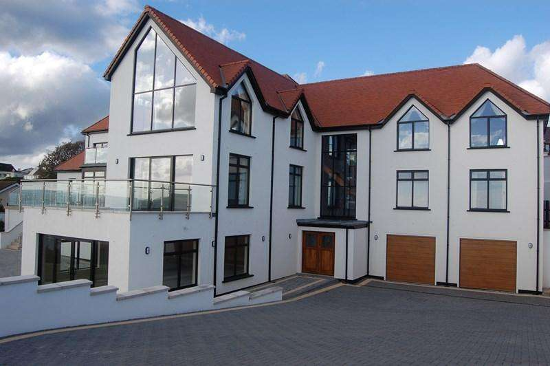6 Bedrooms Detached House for sale in 88 King Edward Road, Onchan, IM3 2AX