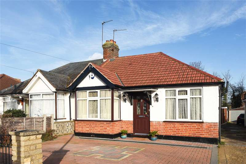 2 Bedrooms Semi Detached Bungalow for sale in Moat Farm Road, Northolt, Middlesex, UB5
