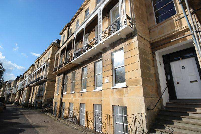1 Bedroom Apartment Flat for sale in Lansdown Place, Cheltenham