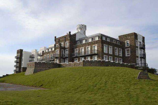 2 Bedrooms Apartment Flat for sale in Douglas Head Apartments, Douglas, IM1 5BZ