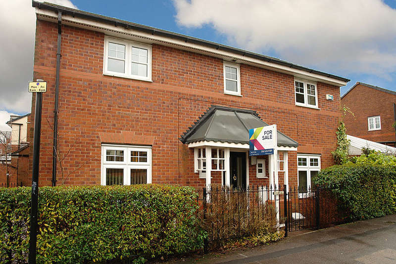 4 Bedrooms Detached House for sale in Bleasdale Street, Royton, Oldham