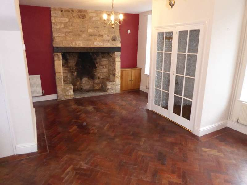2 Bedrooms Cottage House for rent in Gloucester Street, Winchcombe, GL54 5LU