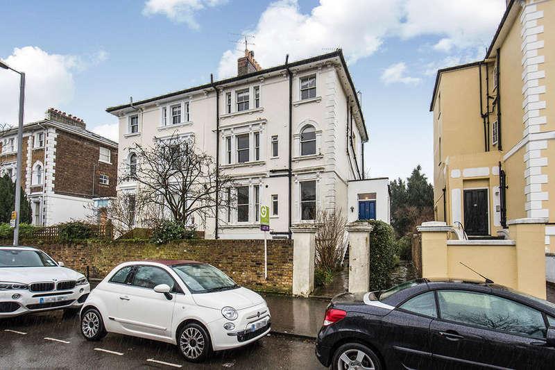 1 Bedroom Flat for sale in Uxbridge Road, Kingston Upon Thames, KT1