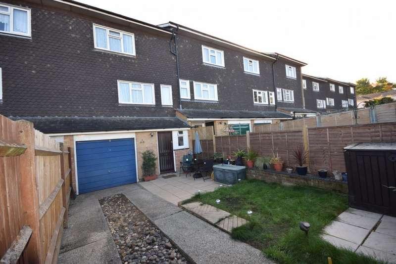 3 Bedrooms Town House for sale in Popley, Basingstoke, RG24