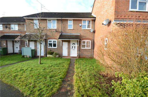 2 Bedrooms Terraced House for sale in Juniper Road, Farnborough, Hampshire