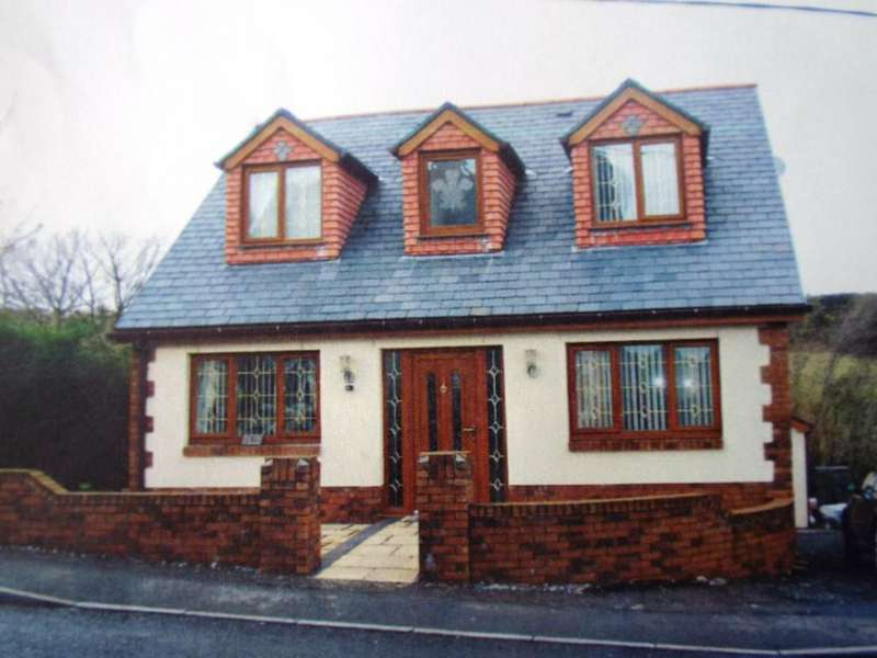 3 Bedrooms Detached Bungalow for sale in Bethania Road, Upper Tumble