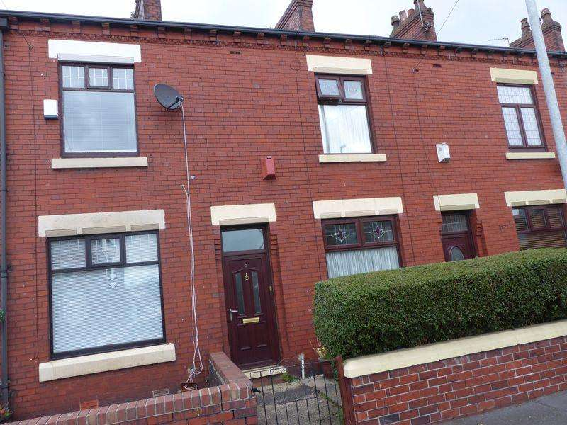 2 Bedrooms Terraced House for sale in Whitegate Lane, Chadderton