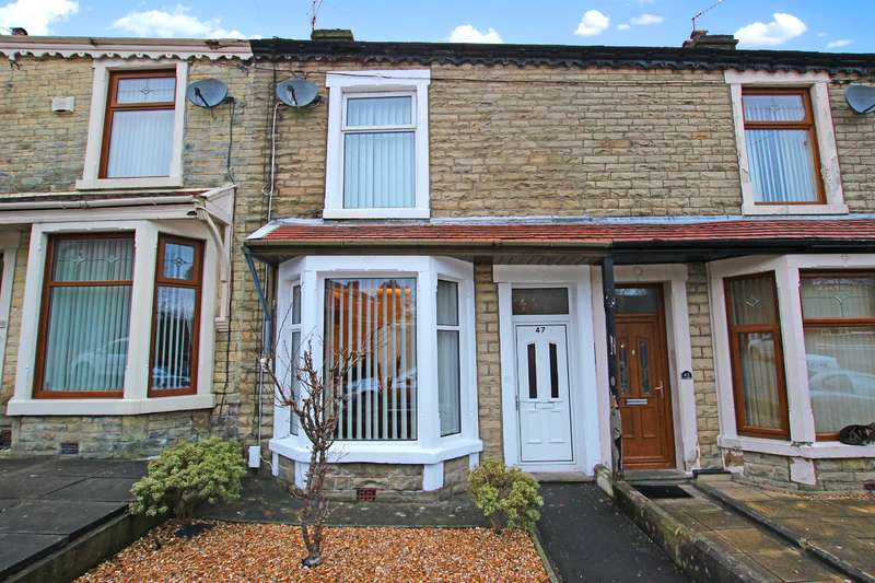 2 Bedrooms Terraced House for sale in St. Albans Road Darwen BB3 0HS