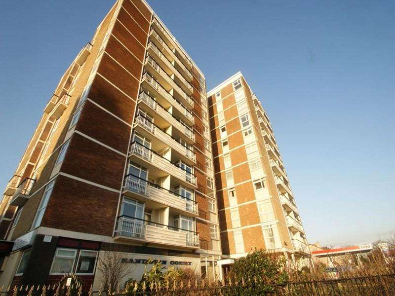 2 Bedrooms Apartment Flat for sale in Albert Road