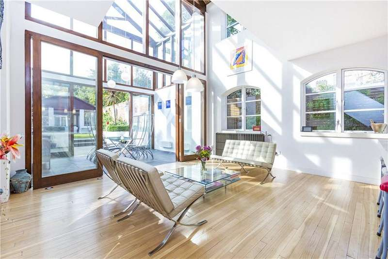 4 Bedrooms House for sale in Kirkwood Road, London, SE15
