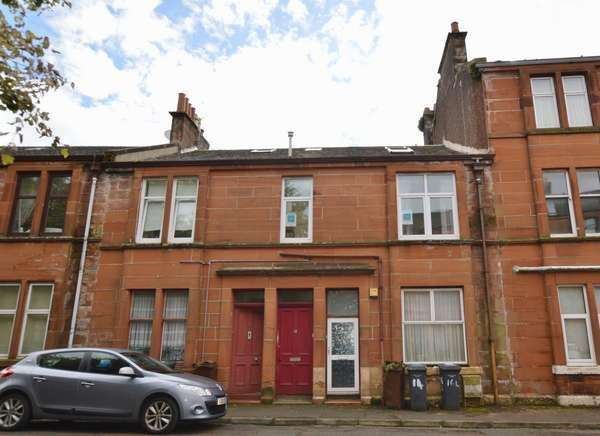 2 Bedrooms Flat for sale in 16/R Seamore Street, Largs, KA30 9AP