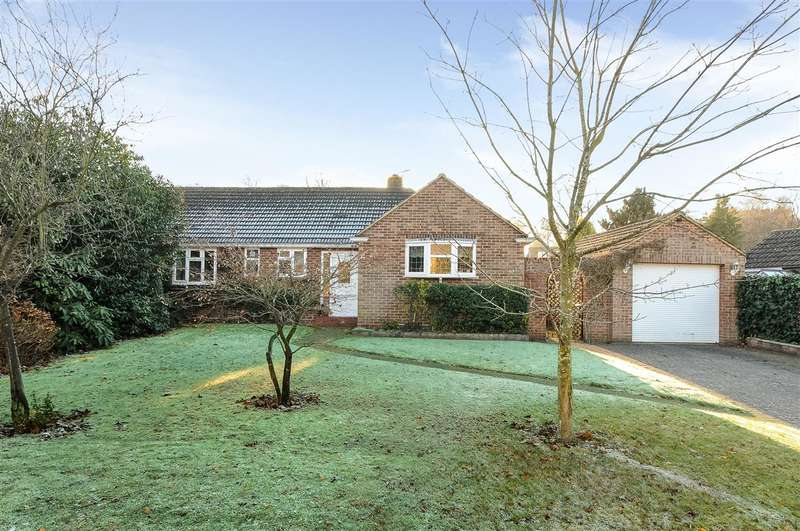 3 Bedrooms Bungalow for sale in Harpesford Avenue, Virginia Water