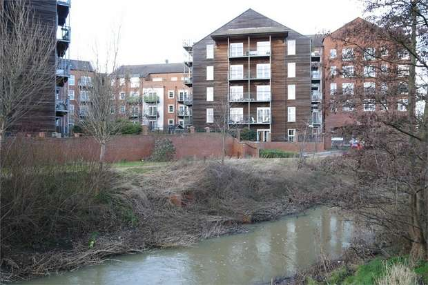2 Bedrooms Flat for sale in Welland Place, St Marys Road, Market Harborough, Leicestershire