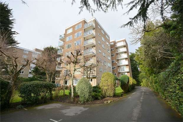 2 Bedrooms Flat for sale in Lindsay Road, Poole, Dorset