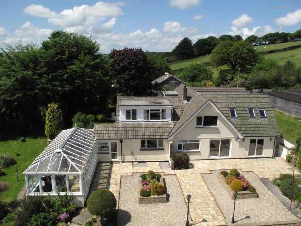 6 Bedrooms Detached House for sale in Florence Hill, Callington, Cornwall