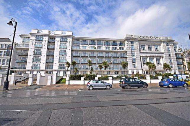 1 Bedroom Apartment Flat for sale in Spectrum Apartments, Central Promenade, Douglas, IM2 4JL