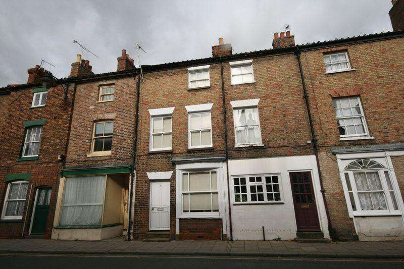 3 Bedrooms Terraced House for rent in West Street, Horncastle