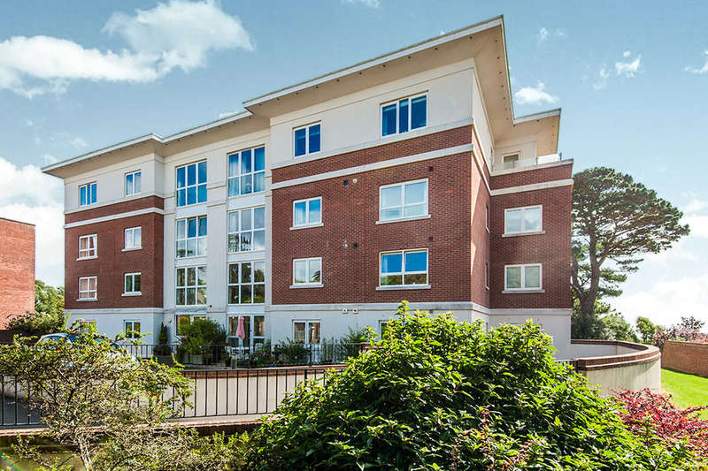 2 Bedrooms Flat for sale in Douglas Avenue, Exmouth, EX8