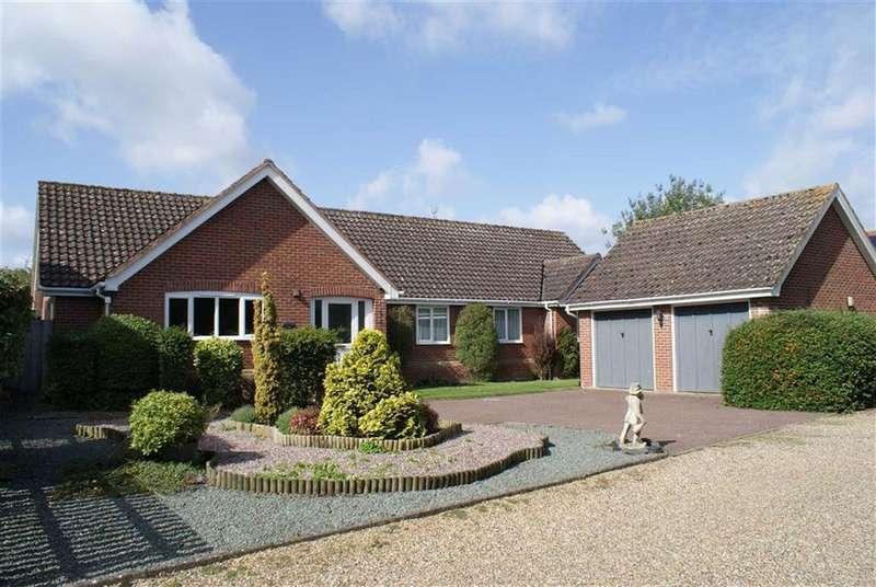 4 Bedrooms Detached Bungalow for sale in Chapel Close, Stradbroke, Suffolk