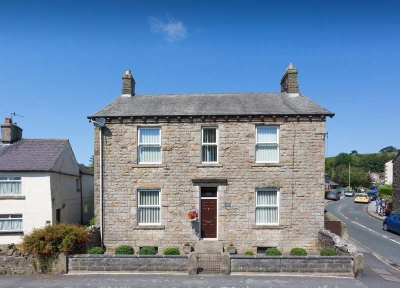 4 Bedrooms Detached House for sale in Loyne View, 63 High Road, Halton, Lancaster LA2 6PP