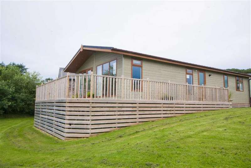 2 Bedrooms Chalet House for sale in No.19, Lightwater Tarns, Selside, Cumbria