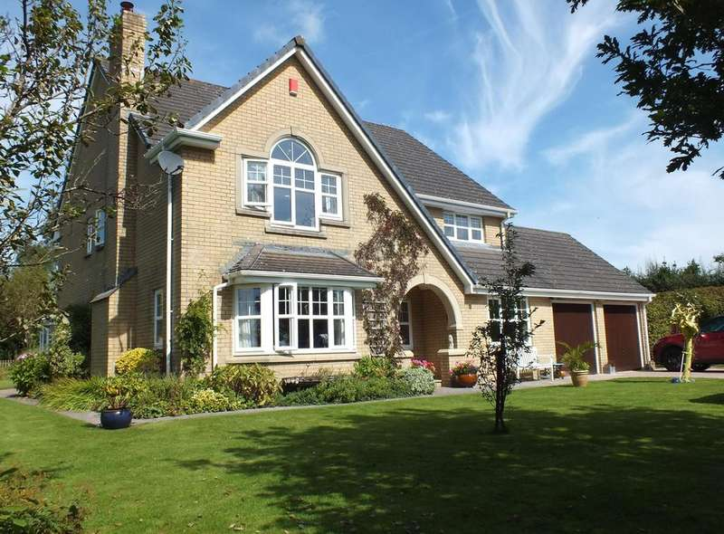 5 Bedrooms Detached House for sale in Church Meadow, High Bickington