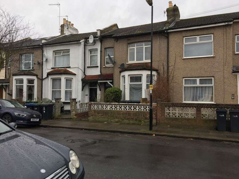 5 Bedrooms House for rent in Tillotson Road, Edmonton