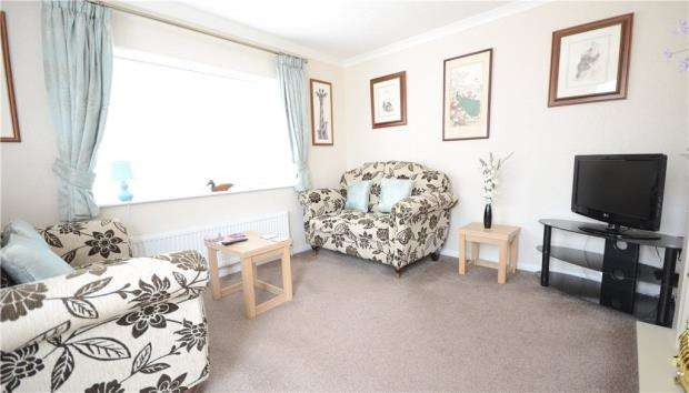 2 Bedrooms Detached House for sale in Swiss Farm Park Homes, Marlow Road, Henley-on-Thames