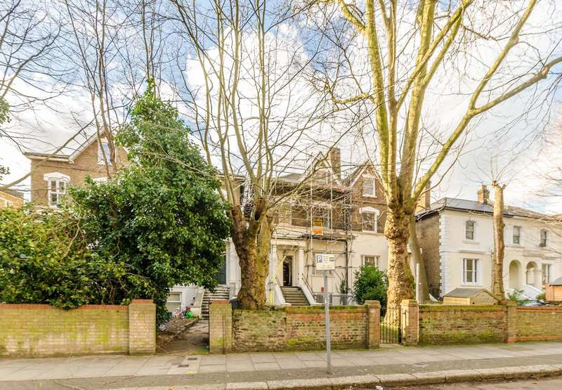 3 Bedrooms Flat for sale in Malvern Road, Maida Hill, NW6